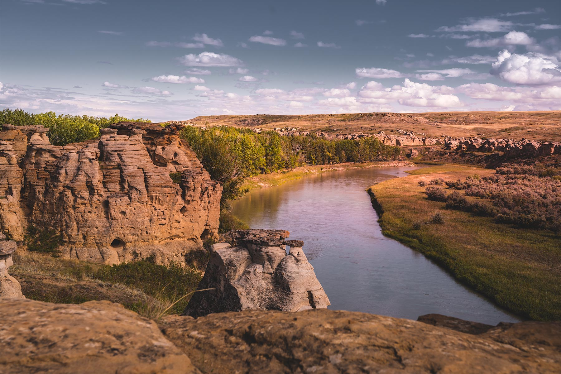 Milk River slowly flowing through Writing on Stone Provincial Park